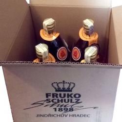rum Tuzemák 40% 0,75l lodička-korábek x4