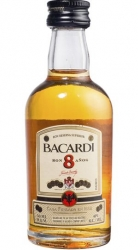 Rum Bacardi Aňos 8 Years 40% 50ml miniatura